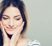 Slap hud, poser under øjnene eller tunge øjenlåg?